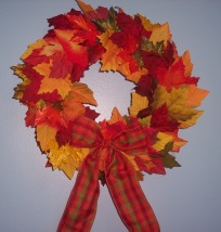 how to make a wreath of fall leaves